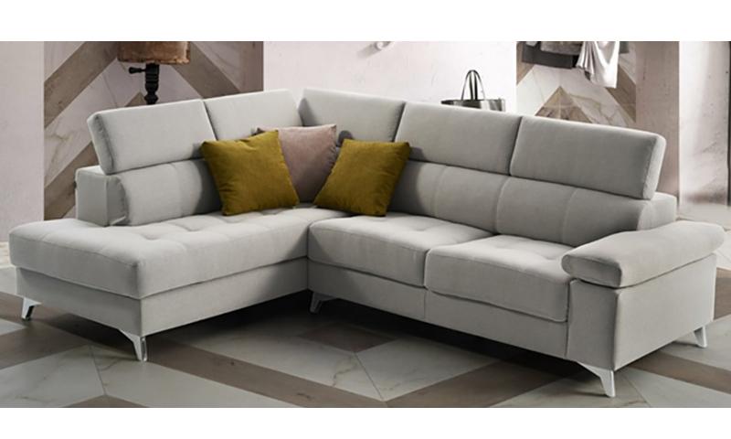 El sofá Polo es un sofá con asientos deslizantes de diseño  cosmopolita, súper práctico.
